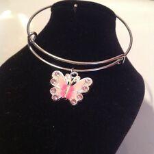 Braccialetto con rosa farfalla