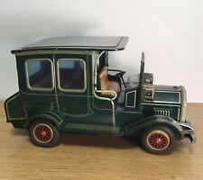 Vintage Tin Battery Operated Old Fashioned Toy Antique Car - S H Horikawa Japen