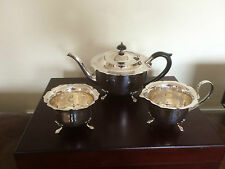 BEAUTIFUL 3 PIECE SILVER PLATED TEA SERVICE ALL ON PAW FEET(REF 5691) YEOMAN PL