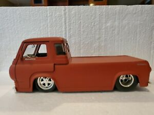 jada dub city oldskool 1:24. 1965 Ford Econoline Pick Up