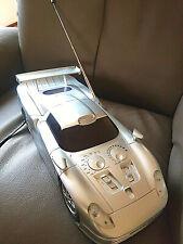 Radio/Cassettenrecorder  in Form eines Autos