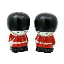 Palace Guard Salt & Pepper Shaker Set - English Beefeaters Salt & Pepper Shakers