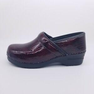Sanita Professional Croco Clog Women's 40 EU / 9-9.5 US Bordeaux Patent Shoe