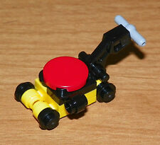 LEGO - Minifig, Utensil - Lawn Mower - Yellow / Red