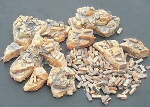 "Dioramas Plus 1/35 ""Rubble and Bricks"" Assorted Piles, Loose Bricks & Debris DP8"