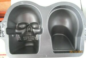 Wilton 3D Skull Cake Pan Cast Aluminum Mold Gothic Pirate Skeleton Halloween