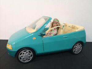 Coche cabriolet azul Barbie con muñeca años 90. 1999