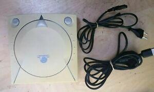 SEGA Dreamcast + 2 mandos + tarjeta memoria + 3 juegos