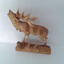Röhrender Hirsch auf Sockel - Holz geschnitzt - 10ender