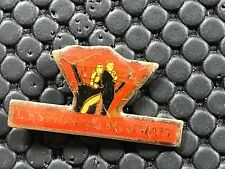 pins pin film cinema  007 JAMES BOND PIN UP 1977