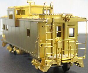 Overland Models  CB&Q International W/V Caboose   HO Brass  OMI-3851  ***MINT***