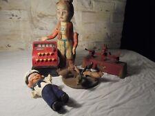 Lot d'anciens jouets pour pièces ou à restaurer dans l'état.