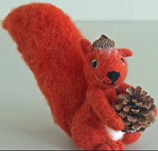 New Pin Felt Needle Felted Collectible Miniature Red Squirrel Pine Cone Gift