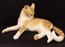 Very Cute Sherratt & Simpson 55556 Cat Lying Down Licking Fur