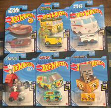 Hot Wheels HW SCREEN TIME HELLO KITTY STAR WARS TURTLES SNOOPY MINEC & SCOOBYDOO