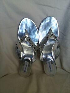 Steve Madden Womens Size 9 Silver Slip On Short Heel New