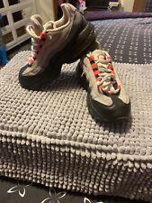 Preowned- Nike Air Max 95' 905461-007 Kids Size 12C Sb3 Black Pink Gray