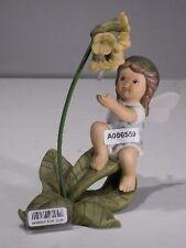 +#A006559 Goebel Archivmuster Nina & Marco / Limpke 66906025 Elfe/Engel m. Blume