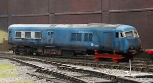 OO  scrapyard Pullman diesel/electric loco, heavily rusted and weathered. Ref 3