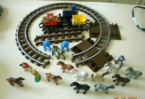 Lincoln Logs  Train Engine +Track Pieces + figures 30 pieces