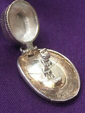 Opening Top Hat with Rabbit inside Vintage Charm in Sterling Silver