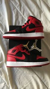 Nike air Jordan 1 mid banned (GS) Neuve Junior 37,5