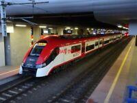 PHOTO  POLISH RAILWAYS -  PKP CLASS EN76 4-SECTION EMU NO EN76-035D OF WIELKOPOL