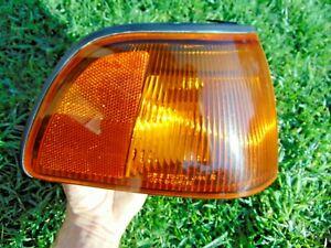 97-99 Mitsubishi Montero Sport Corner Turn Signal Light Assembly RH Pass Tested