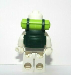 Lego Green Backpack Bedroll (non open)   Minifigure Not Included Hiking Camping