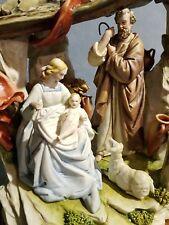 Porcelana Capodimonte Grupo Natividad, Sagrada Familia con choza. Serie Elite