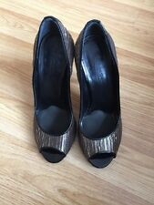 DONNA KARAN COLLECTION DKNY MADE IN ITALY WOMEN HELL SHOES SIZE EU 35