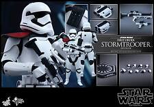Hot Toys MMS334 Star Wars The Force Awakens First Order Stormtrooper Officer
