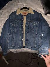 Levi's Sherpa Denim Trucker Men's Jacket Size Medium Fur Collar Vintage 74510