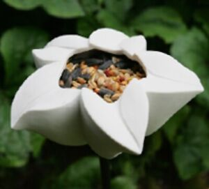 Ceramic wild bird feeder-Star Flower design
