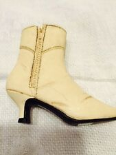Retired 1999 Just The Right Shoe#25403 Ingenue Boot