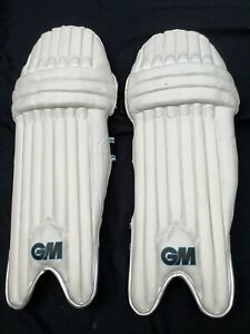 G&M Diamond Cricket Pads Youth RH