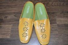 WOMENS SHOES-MODA SPANA/ SLIP ON/ FLOWER DESIGN, YELLOWISH WITH GREEN SIZE 11M