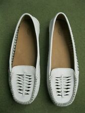 UGG White Leather Casual Moccasin Style Loafer Slip on Women's Shoes UK Siz 6.5
