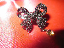 BETSEY JOHNSON RARE PEWTER COLORED BOW AND STONES  RING SIZE 7 WITH STONE DANGLE