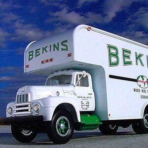 RARE - BEKINS LINES 1957 INTERNATIONAL HARVESTER Moving Van -  First Gear