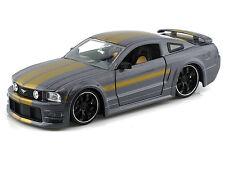 Jada 1/24 Display Big Time Muscle 2006 Mustang Gt W/ Stripes Diecast Car 90661