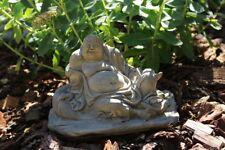 Buddha Glück frostfester Steinguss patiniert