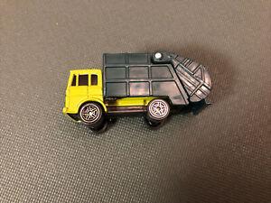Maisto 1/64 Green Garbage Truck.  Excellent condition