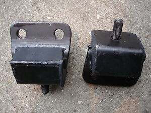 2 x Triumph Herald Spitfire Engine Mounts UKC5334 Pair