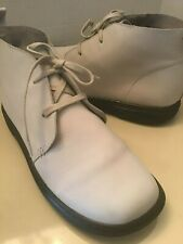Dr Martens airwair women Ivory leather ankle boots Size 8 medium