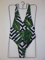 MISSGUIDED Tropical Print Swimsuit in Green Multi UK 10 US 6 EUR 38 (sw8.1)