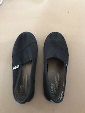 Authentic Youth Black Toms Shoes SIZE Y2.5 Slip On