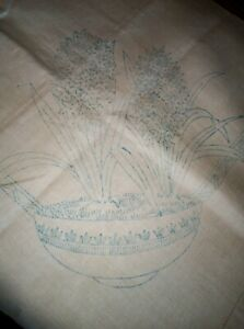 """Vintage linen tablecloth part embroidered floral 34""""x 34"""" see all the pictures"""