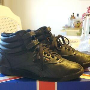 Vintage 90's Reebok Women's FREESTYLE HI LUG High Tops Classic Black Sneakers 8