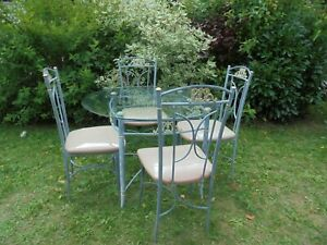 table de jardin metal fer forger ronde avec chaises salon de jardin
